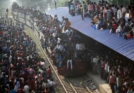 看看孟加拉国的上班高峰段,比帝都如何?