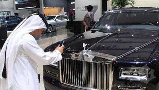 迪拜车展豪车遍地