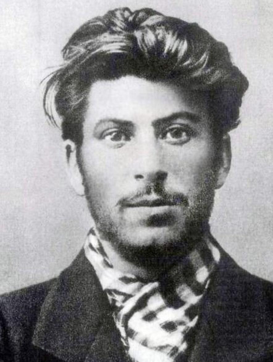 年轻的斯大林原来是高富帅啊