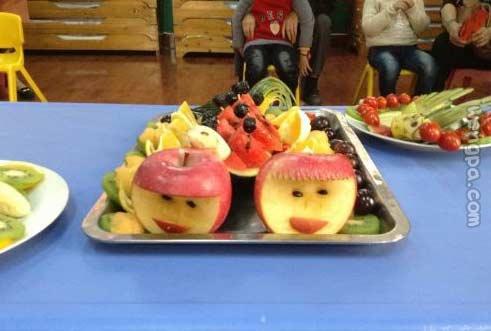 幼儿园老师做的果盘!