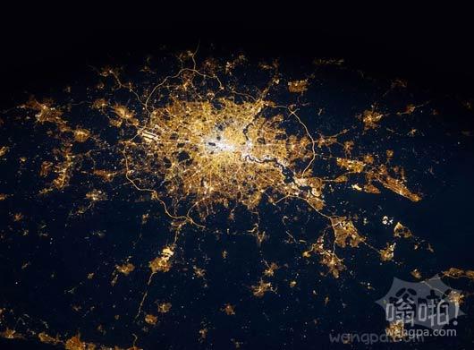 太空眺望夜间的伦敦