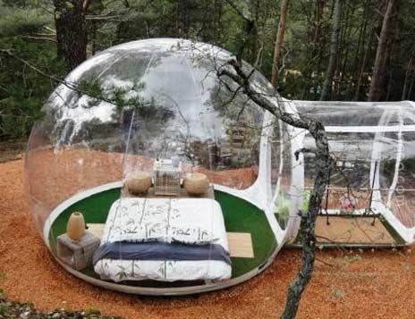 法国酒店玻璃气泡房间在野外