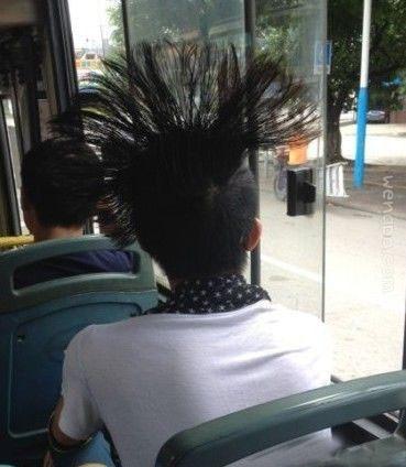 在公交上看到了这辈子没见过的发型