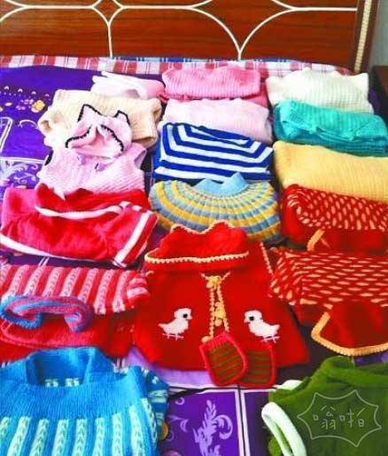 刚上大二,老妈就给未来孙子织了18套毛衣