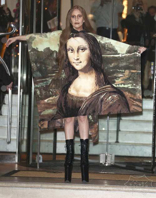 12月5日:Lady Gaga的做她最好的Lady Gaga的印象