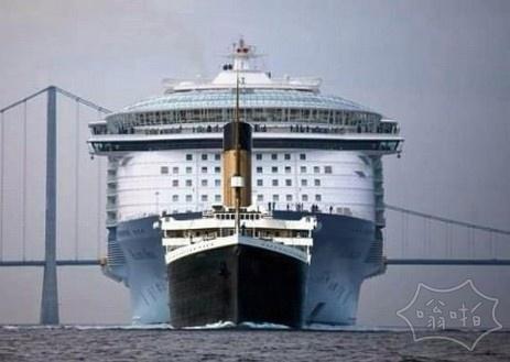 泰坦尼克号和一个现代化的游轮之间的大小比较