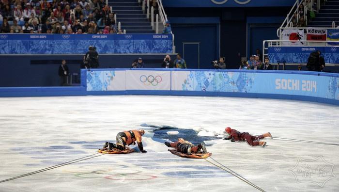 救援人员试图营救奥运会花样滑冰运动员告吹