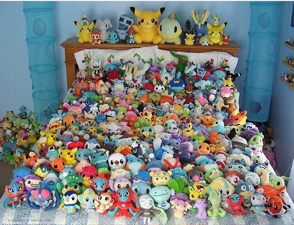 壮观:美国一位神奇宝贝收集了244个玩偶,整张床上都放不下
