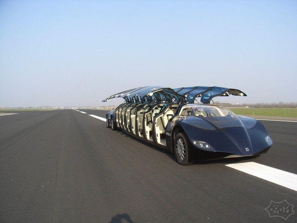 全球最快公交车投入运营 时速达255公里,怎么像布加迪啊?