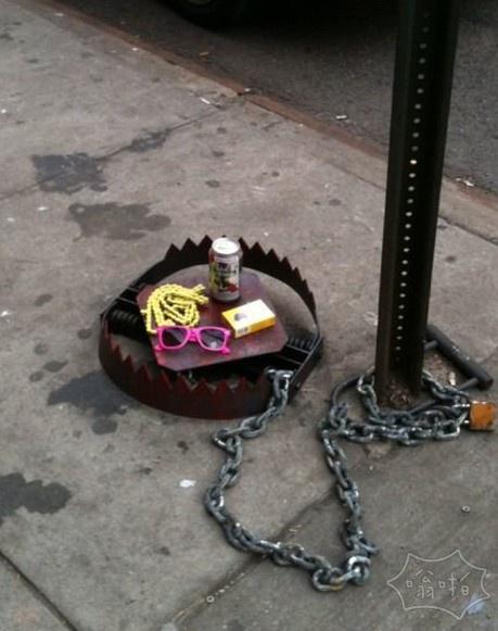 """纽约街头的""""陷阱"""""""