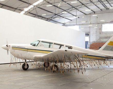 飞机低空飞过 非洲部落后的结果