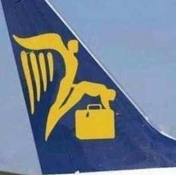 这是哪国的航空公司,真的要向人展示飞起来的感觉么?(ˇˍˇ)