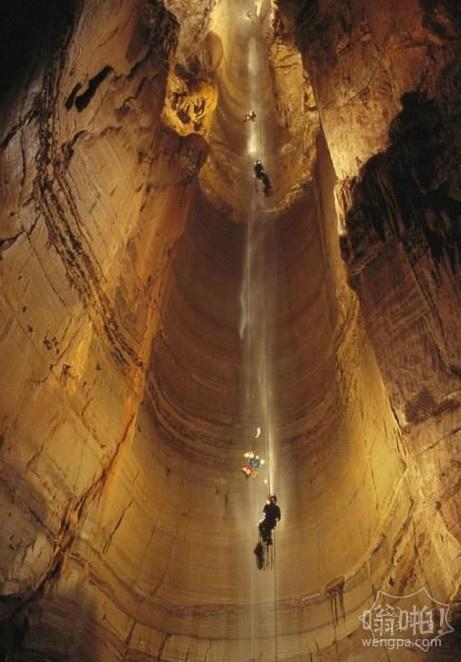 库鲁伯亚拉(Krubera)洞穴,是地球上最深的洞穴。