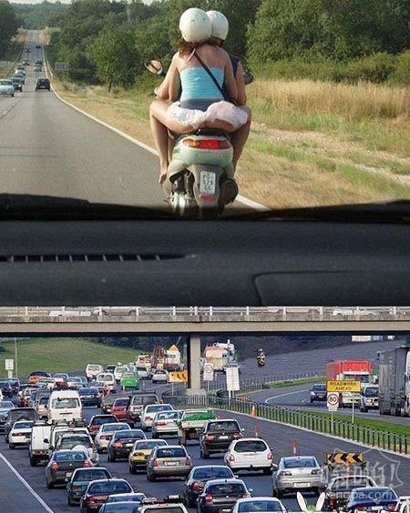 堵車的原因。