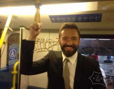 地铁偶遇金刚狼