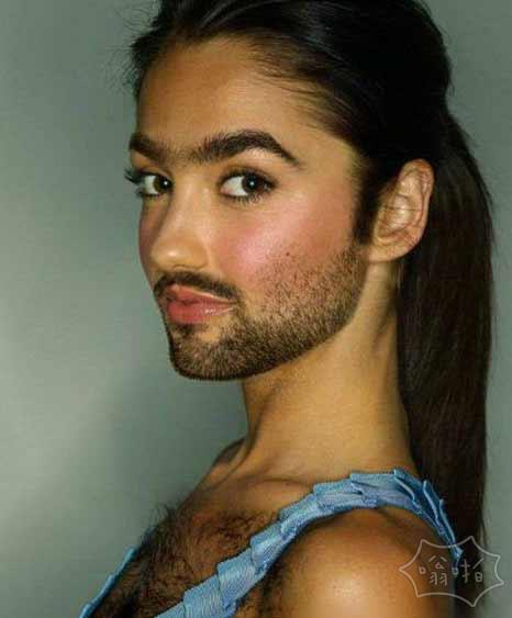 自从长了大胡子和胸毛后,性感了不少