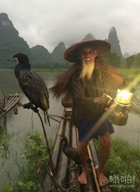漓江鸬鹚渔夫,桂林,中国。