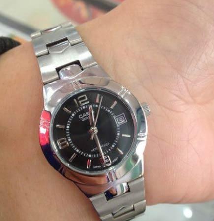 媳妇给买了块表,总感觉不对劲