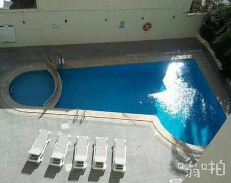 这酒店的游泳池总感哪里不对
