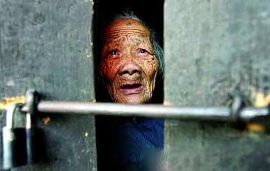 触目惊心!湖北现农村老人自杀潮在当地被视作正常