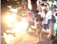 广州301路公交爆炸现场车站监控曝光(视频)