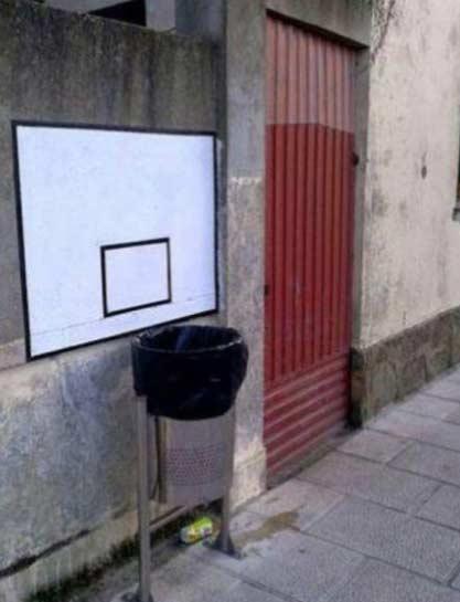 安上篮板以后,明显把垃圾扔到桶里的多了