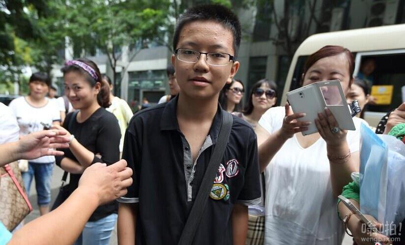 13岁少年东南大学报到 从小学跳到高中