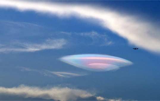 厦门天空现UFO形状云彩