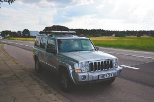 90后情侣从伦敦自驾吉普车15000公里回家过中秋 49天跨13国
