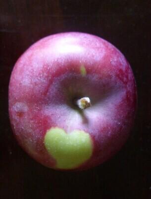 很有爱的苹果