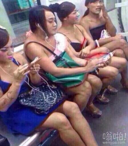 我想这是在泰国的地铁上吧