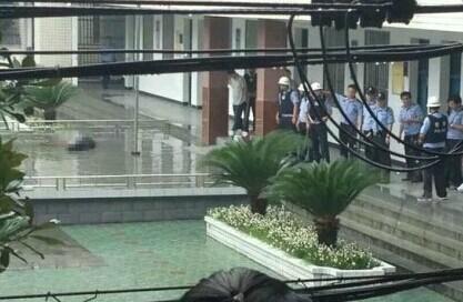 十堰东方小学发生砍人事件 砍人男子为学生家长 官方确认造成3死6伤