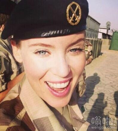 在阿富汗的美女瑞典士兵