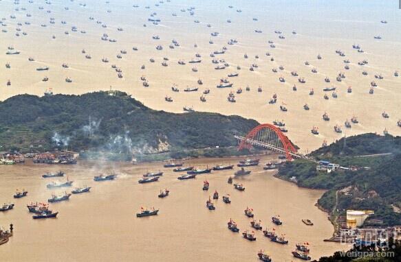 东海开渔 千帆竞渡出海壮观场面