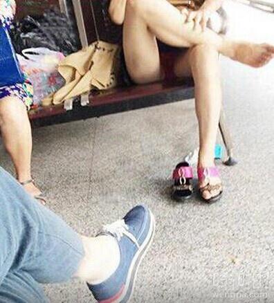 火车站偷拍美女 不要勾引哥,哥不是那种人