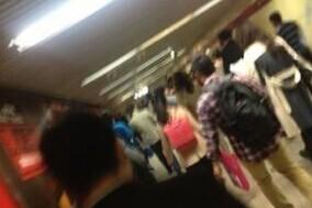 北京地铁四号线发生乘客恐慌拥挤事件 疑似有人泼硫酸