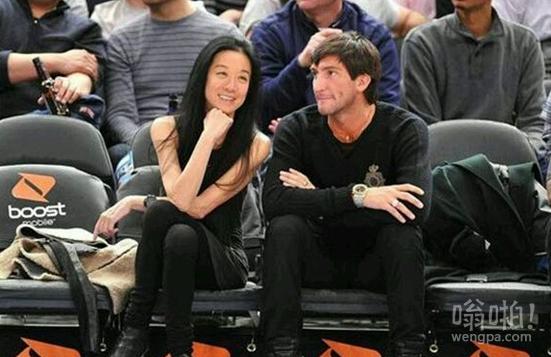 全美国最帅的27岁花样滑冰冠军,被一个华裔63岁老太娶走了