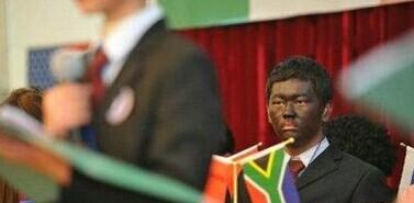 中国高中生模拟联合国非洲代表:太认真!