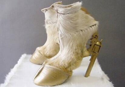 世界最糟糕的鞋子 这个算么