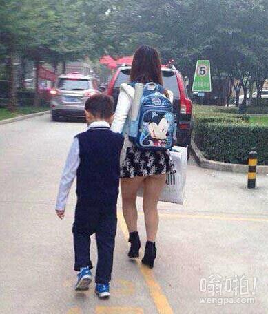 麻麻,我真的不想你酱紫送我去上学