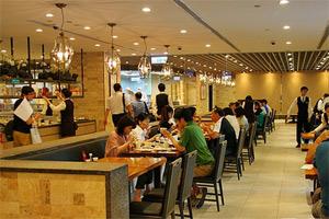 大陆赴台游3岁童尿急在鼎泰丰餐厅当众撒尿喷到菜 其母要求免费换菜被拒