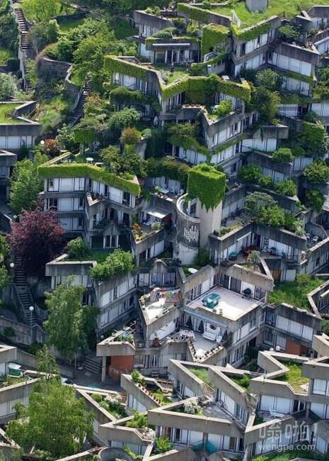 伊夫里在巴黎塞纳河畔的住房