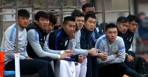 大连从联赛8冠王到降级 经济管理落后告别中超 曾亚洲排名第一 仍是足球城 71人遍中超