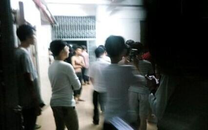 广东高校3000学生砸食堂打校长实为中专学校 没了快播之后大学生更加不安分了