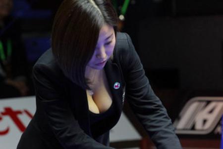 台球美女裁判吕萌希子因丰满胸围爆红:我真的不靠胸活的