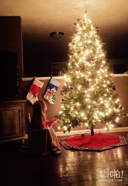 我的未婚夫和我分手。我一直在郁闷。今天,我意识到我不能毁了我的孩子们的圣诞没有树。如果你是单身母亲,要保持清醒! !
