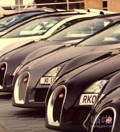 迪拜路边停车场