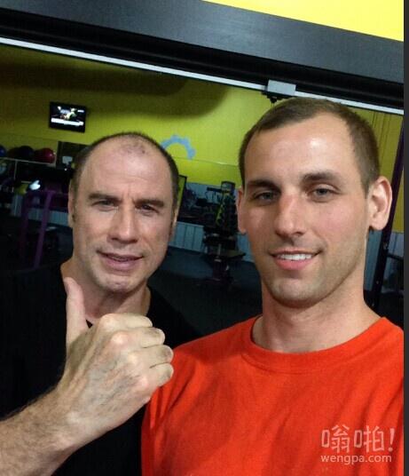 我想我当时是自己凌晨3点在健身房,然后这家伙过来对我和自我介绍。
