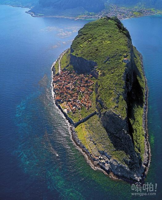 希腊隐藏小镇莫奈姆瓦夏