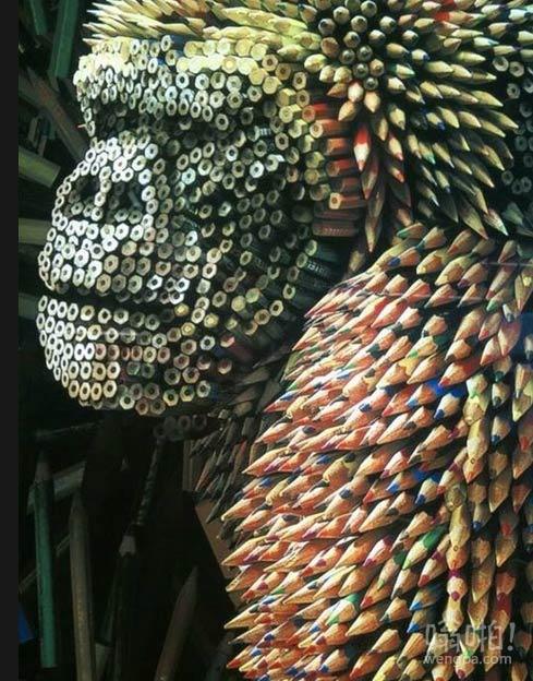 彩色铅笔做成的大猩猩